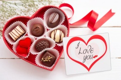 valentine-s-day-card-chocolate-horiz